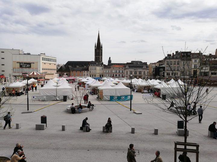 Vue du Marché de Pâques 2021, Place de la République à Limoges